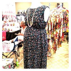 Dresses & Skirts - Sleeveless maternity maxi